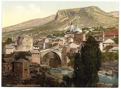 Mostar-panorama-u-pozadini-dominira-saborna-crkva-672